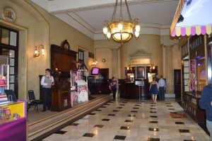 Theatre Royal Drury Lane foyer blog.fromtheboxoffice.com