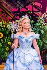 Glinda: Image courtesy of wickedthemusical.co.uk